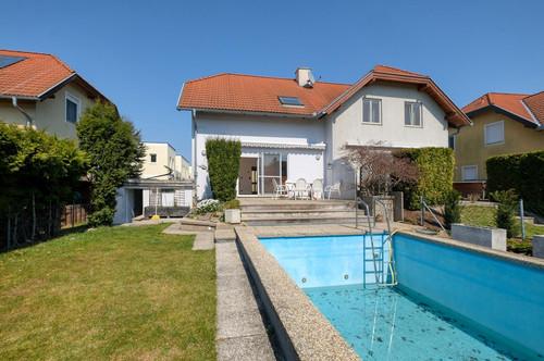 Doppelhaushälfte mit Swimming-Pool nur 20 Minuten von Wien!