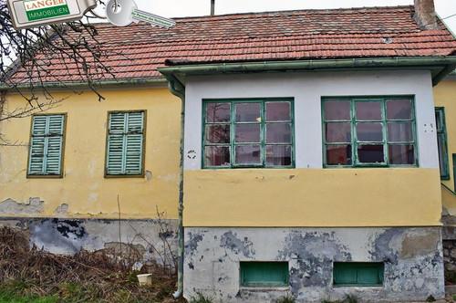 <b>Kleines Haus mit kleinem Garten für geschickte Handwerker!!!</b>