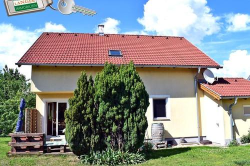 <b>6 Zimmer Haus in ruhiger Siedlungslage!!!</b>