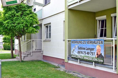 <b>Großzügige 2 Zimmer Eigentumswohnung mit Loggia und Garagenplatz!!!</b>