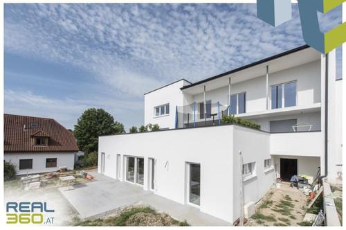 ERSTBEZUG - Attraktive Eigentumswohnung mit großem Garten und eigenem Pool zu verkaufen!