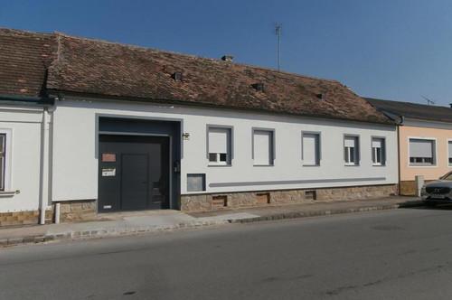 RESERVIERT Stronsdorf: Neu renoviertes Bauernhaus