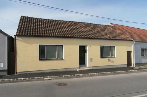 Hauskirchen: Landhaus mit Innenhof
