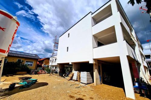 **Liebenau ERSTBEZUG Ziegelmassiv 3 Zimmer-Wohnung mit großzügiger Terrasse-Carport und Keller** (Hochwertige Ausstattung)