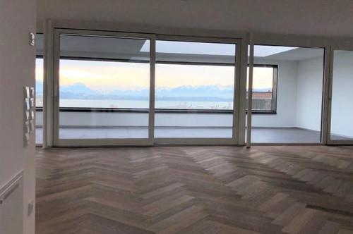 Großzügige exklusive 3-Zimmer-Penthouse-Wohnung mit traumhafter Seesicht