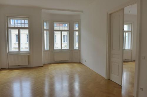 Wunderschöne Familienwohnung im Stilaltbau mit sehr guter Aufteilung! Altbaucharme!