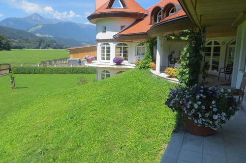VÖLS: Herrliche 4 Zimmer Maisonetten-/Terrassen-/Gartenwohnung mit 2 AAP in ländlicher Ruhelage!