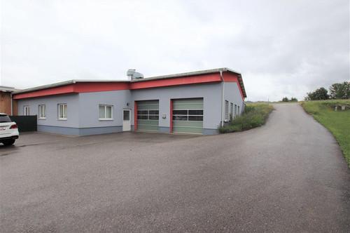 Neuwertige Halle geigent für Produktions- und Ferigungsbetriebe, so wie jeglichen Gewerbebetrieb.
