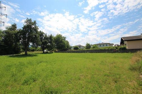 Zentral gelegenes Grundstück im aufstrebenden Köttmannsdorf