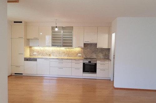 3 Zimmer Wohnung mit Loggia in TOP Lage Provisionsfrei