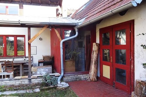 2410 Hainburg an der Donau - Zweifamilienhaus mit viel Wohnfläche mitten in den Donauauen