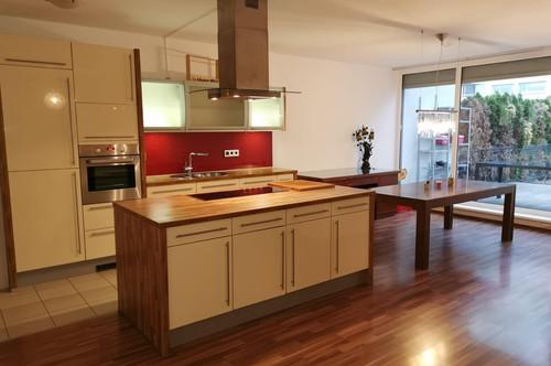 Provisionsfreie 4-Zimmer Wohnung mit zwei Gärten (Wohnen am Teich)
